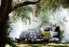 Doğanın içinde ilginç yatak odası