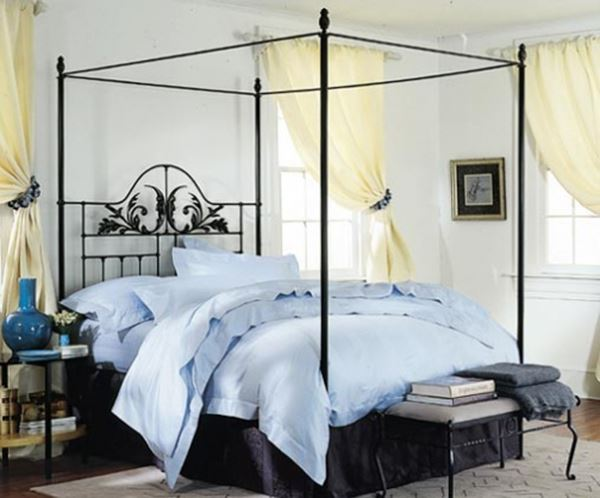 Ferforje kare yatak mavi