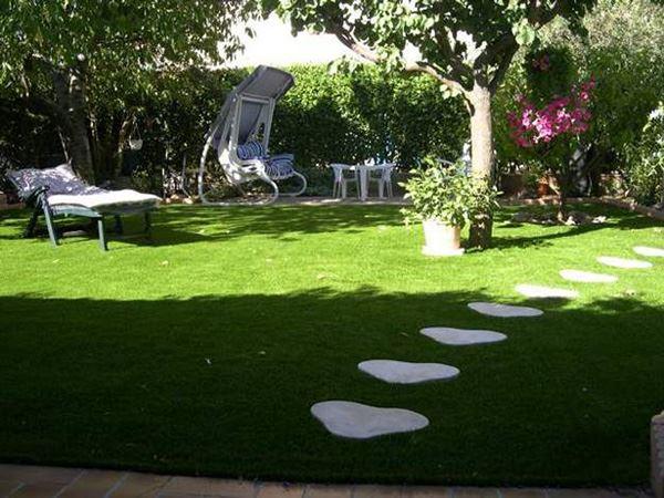 Kalp desenli bahçe yolu