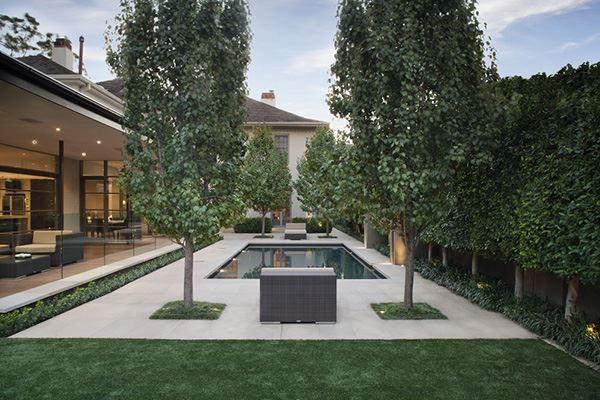 Modern havuzlu bahçe dekorasyonu