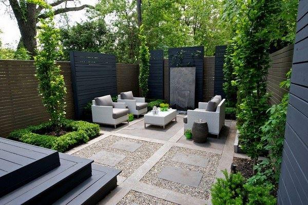 Modern sade bahçe dekorasyonu