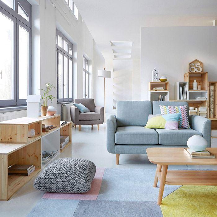 Pastel tonlarda modern oturma odası