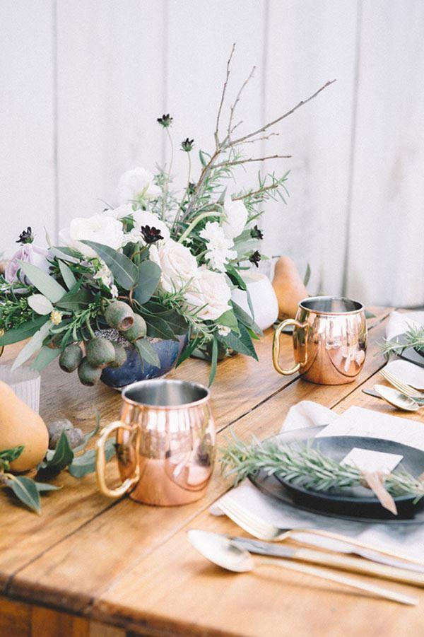 Rüstik yemek masası dekorasyonu