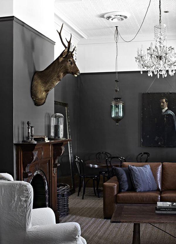 Salon duvar dekorasyonu geyik başı