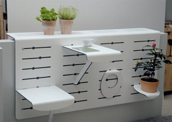İşlevsel balkon masası