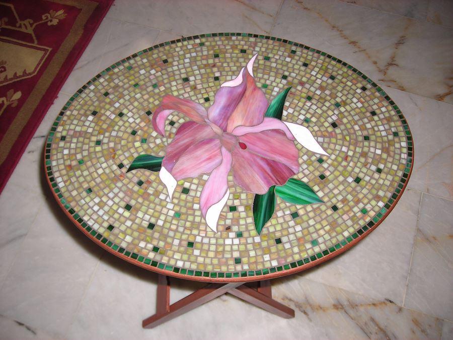 Çüçek desenli Mozaik sehpa modelleri