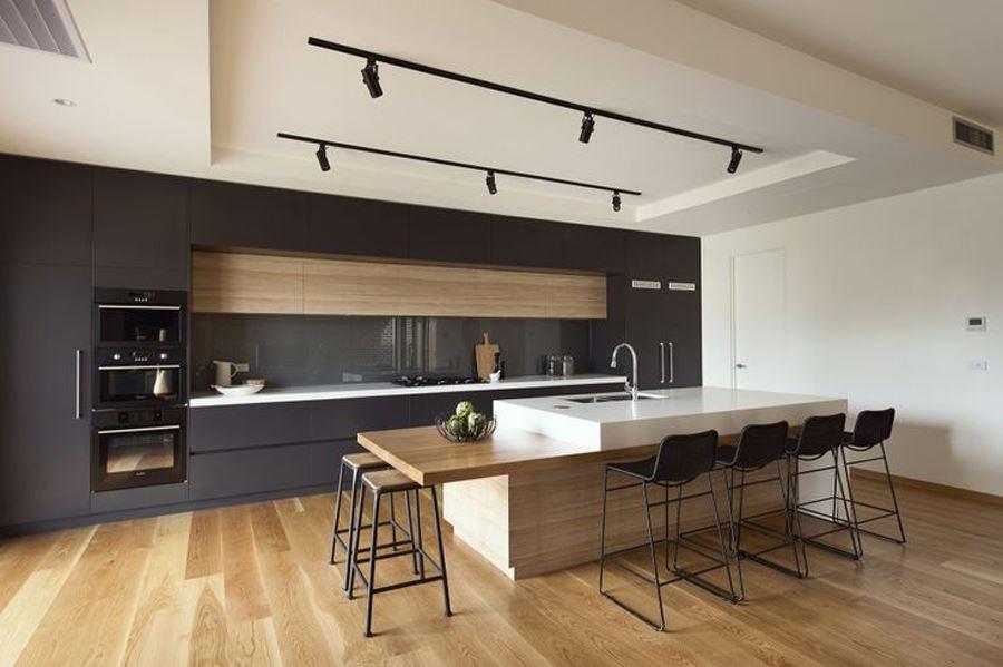 Ahşap Görünümlü Siyah beyaz mutfak