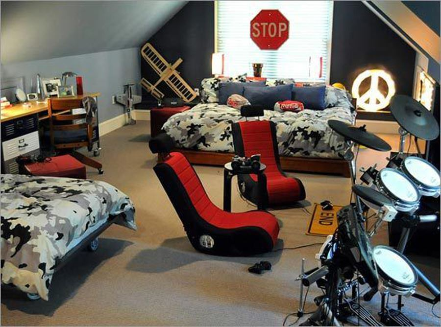Young Room with Music and Play Themes