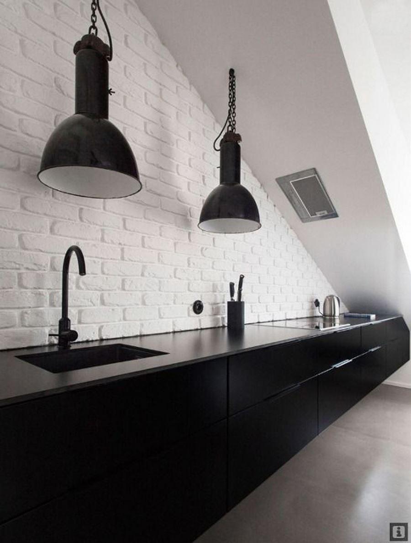 Merdiven Altı Siyah beyaz mutfak