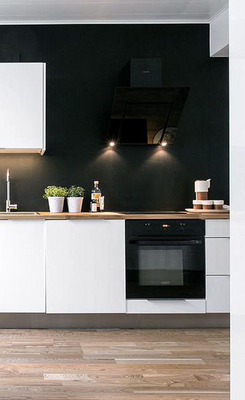 Siyah Duvarlı Siyah beyaz mutfak