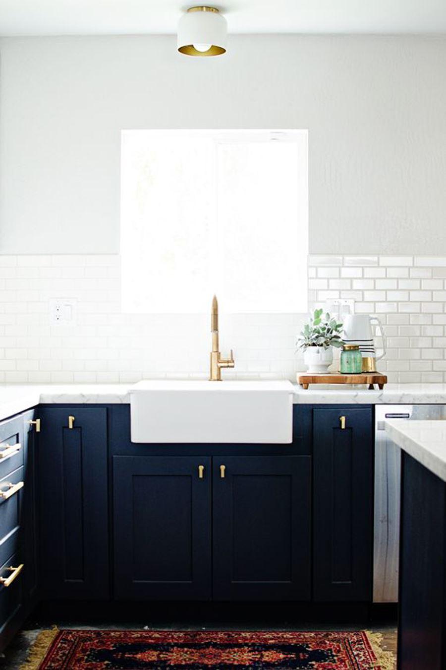 Siyah Mutfak dolabı Siyah beyaz mutfak dekorasyonu