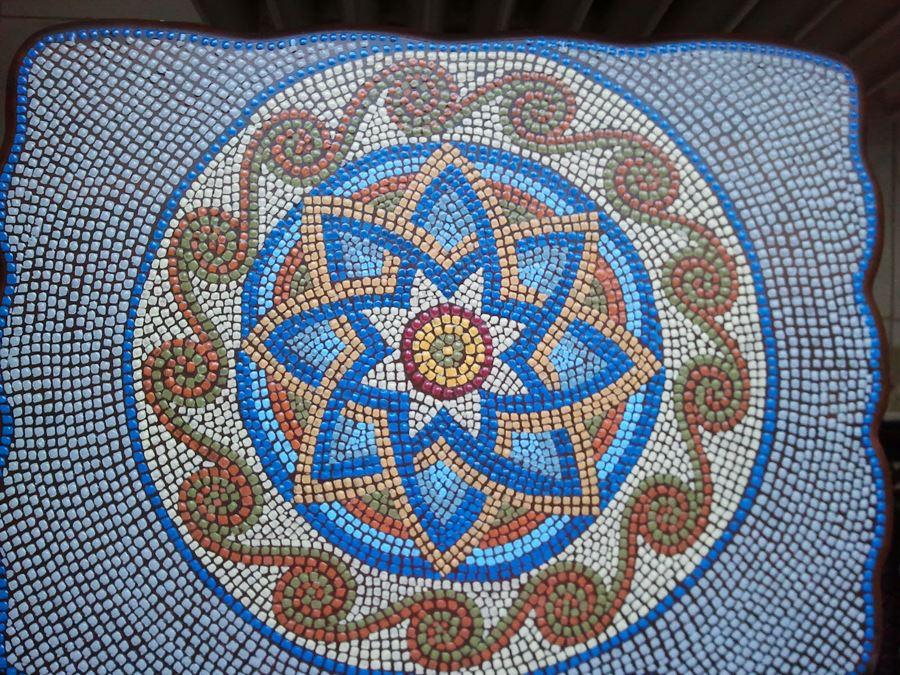 Yuvarlak desenli mozaik sehpa modelleri