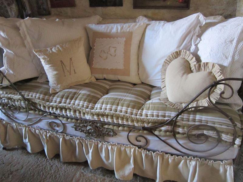 ferforje kanepe modelleri art k daha modern dekoloji ev dekorasyon fikirleri blogu. Black Bedroom Furniture Sets. Home Design Ideas