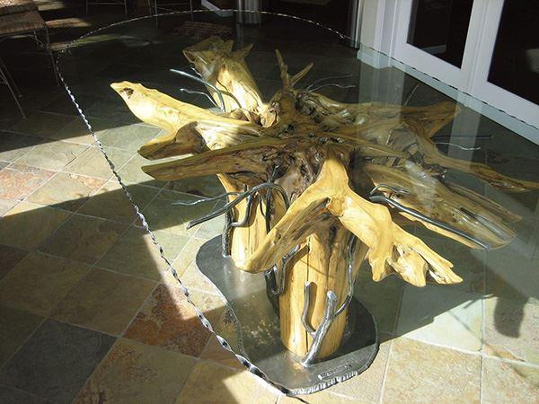 Ağaç ve Ferforje Ayaklı Ferforje Yemek Masası