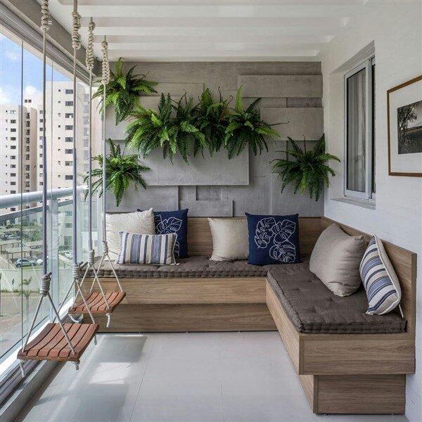 Cam Balkon Dekorasyonu İle Dört Mevsim Açık Havanın Tadını Çıkarın