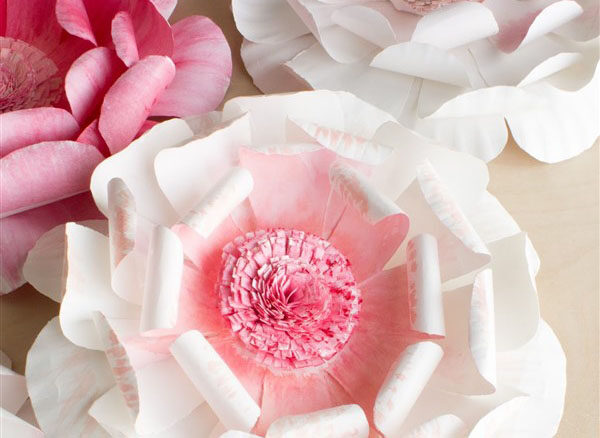 Köpük Tabaklardan Çok Güzel Çiçekler Yapın