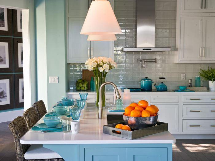 Açık Mavi Beyaz Mutfak