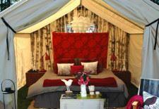 Açık hava romantik yatak odası