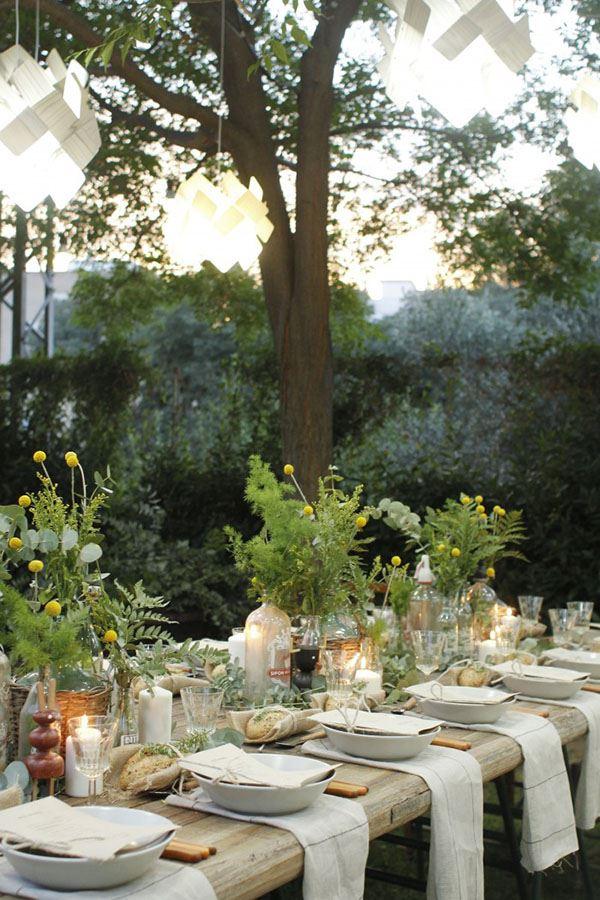 Bahçe için kalabalık yemek masası dizaynı