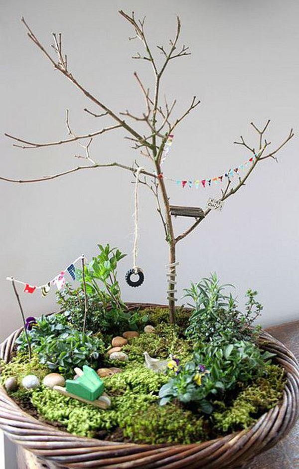 Bahçe konsepti verilmiş saksı