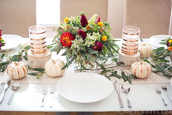 White color and floral dining table design