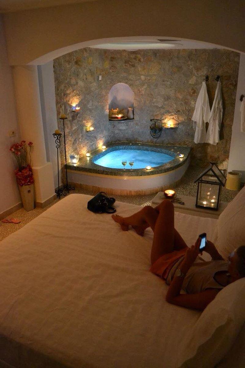 Jakuzi olan romantik yatak odası
