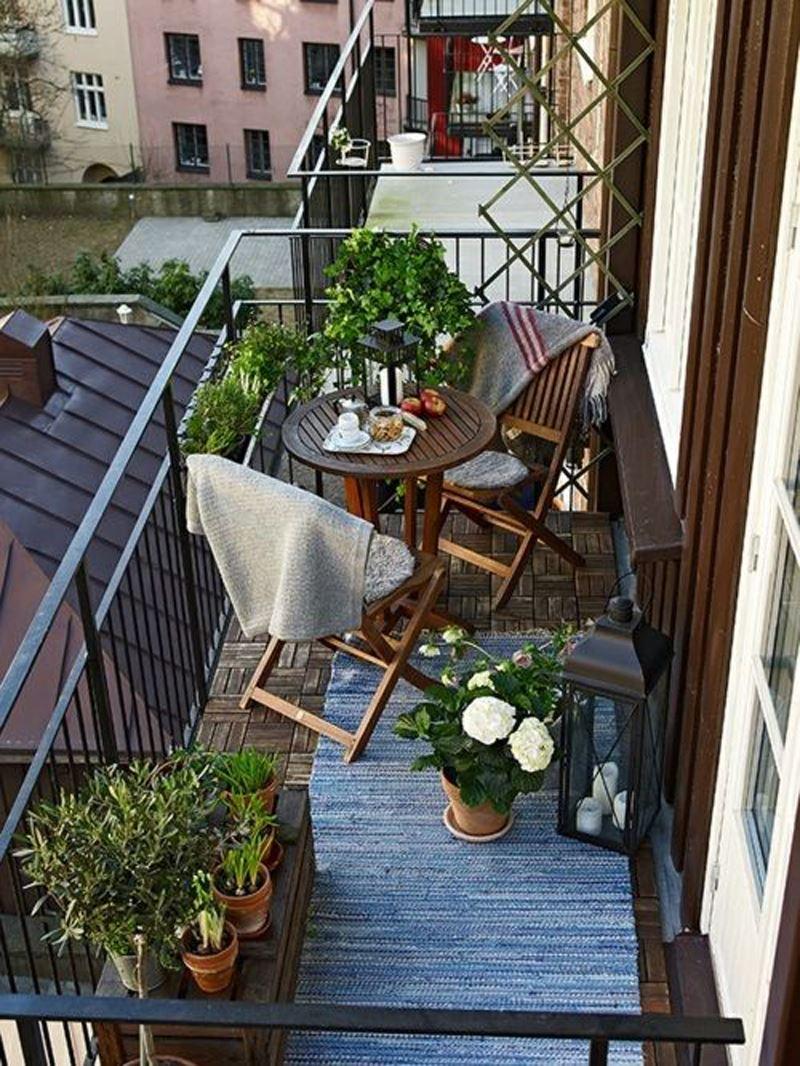 Küçük salaş balkon dekorasyonu