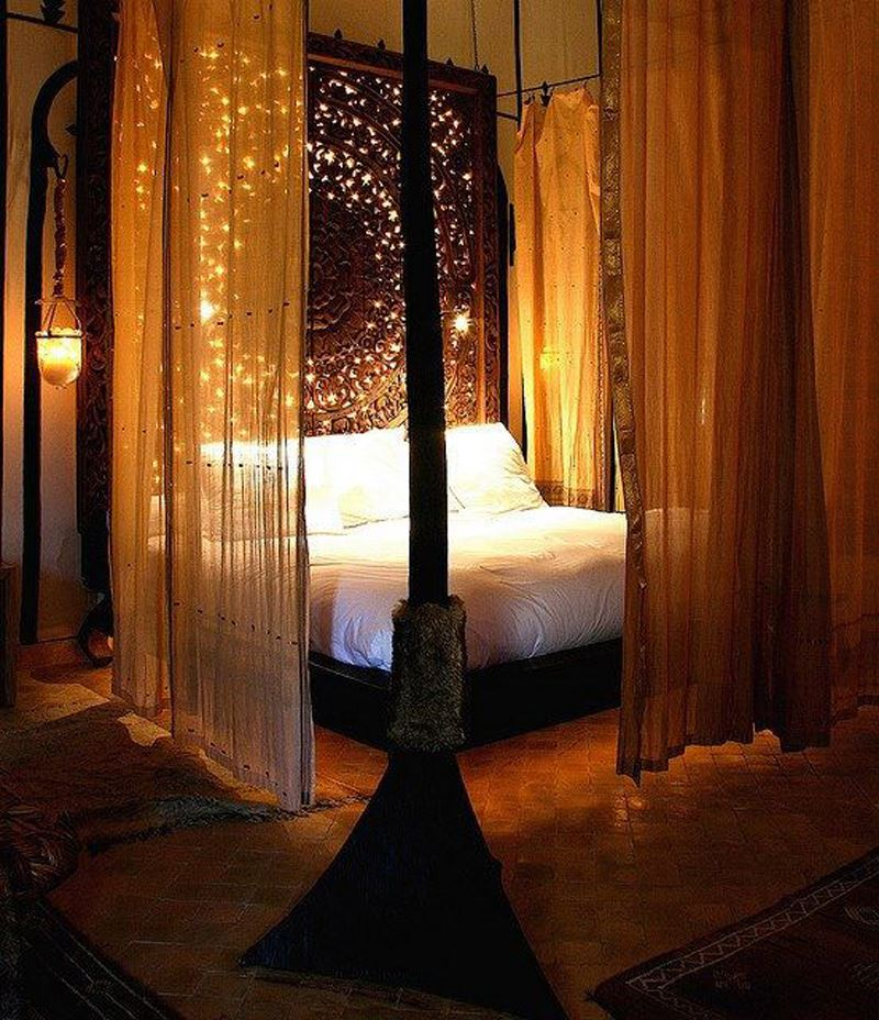 Klasik romantik yatak odası dekorasyonu