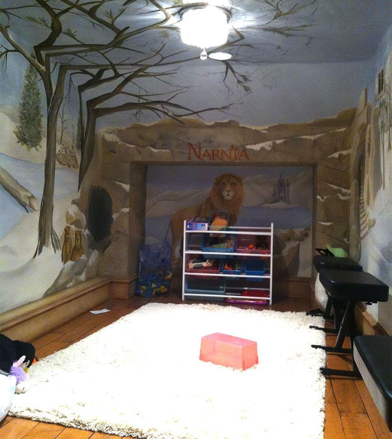 Hidden children's room decoration in Narnia logs