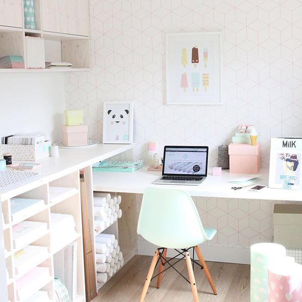 Pastel renklerde home ofis