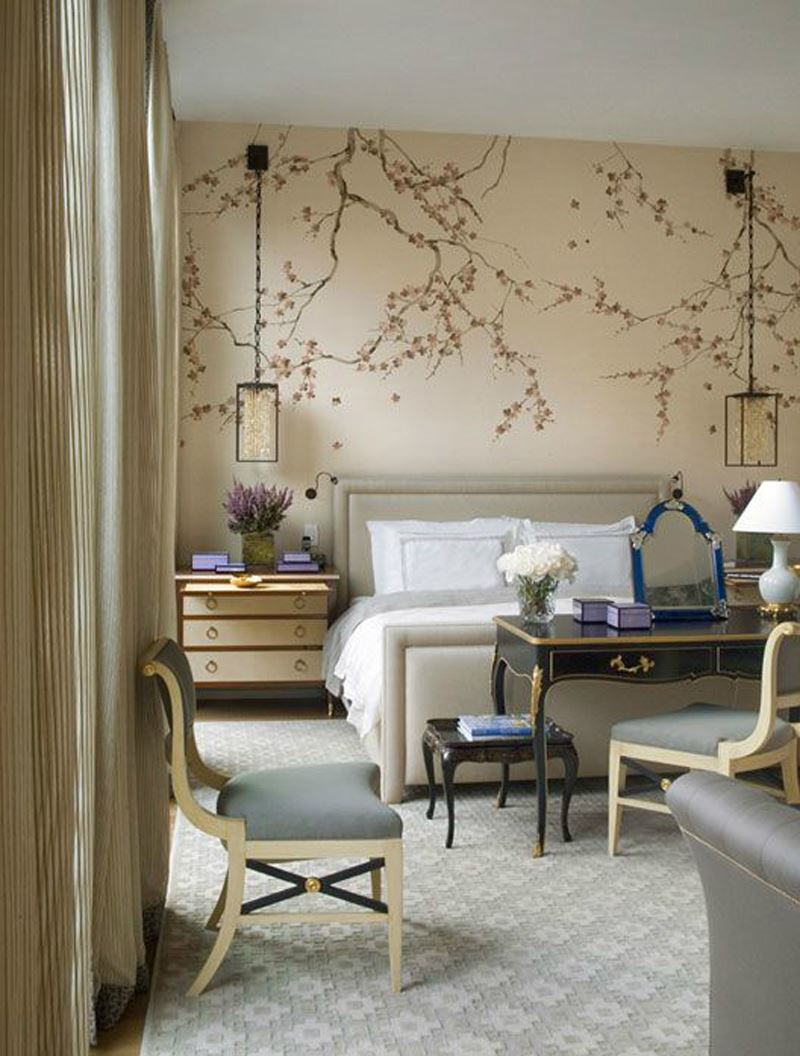 Romantik yatak odası dekorasyonu çiçek desenli