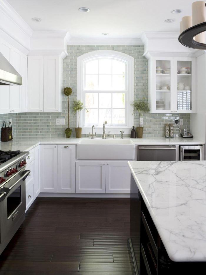 Sade Beyaz Mutfak