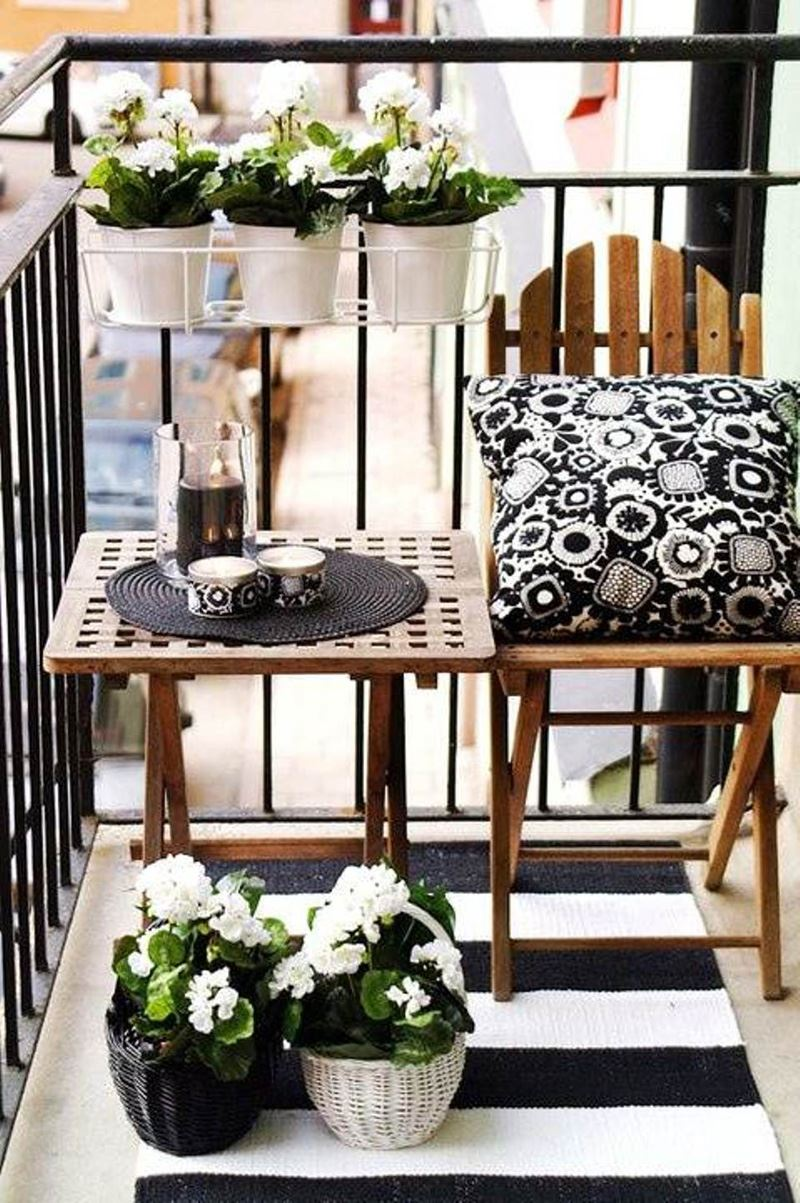 k k balkon dekorasyonu fikirleri ile balkonlar rengarenk. Black Bedroom Furniture Sets. Home Design Ideas