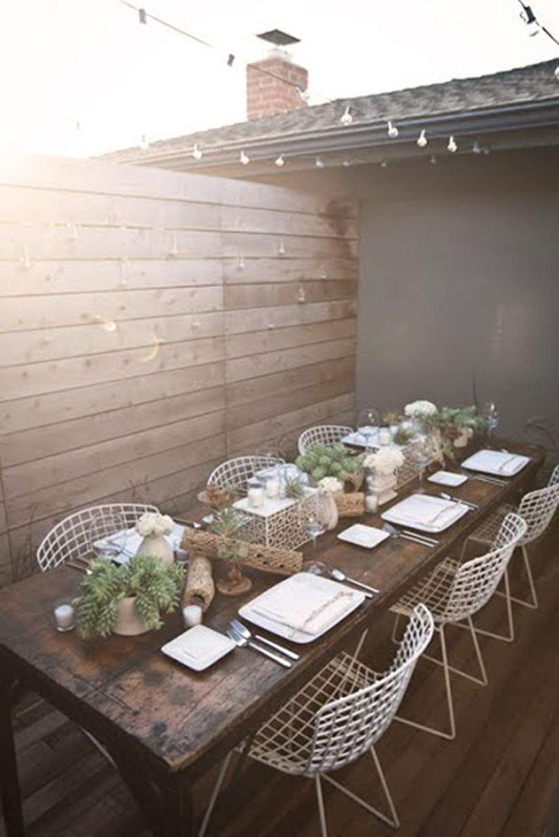 Teras yemek masası