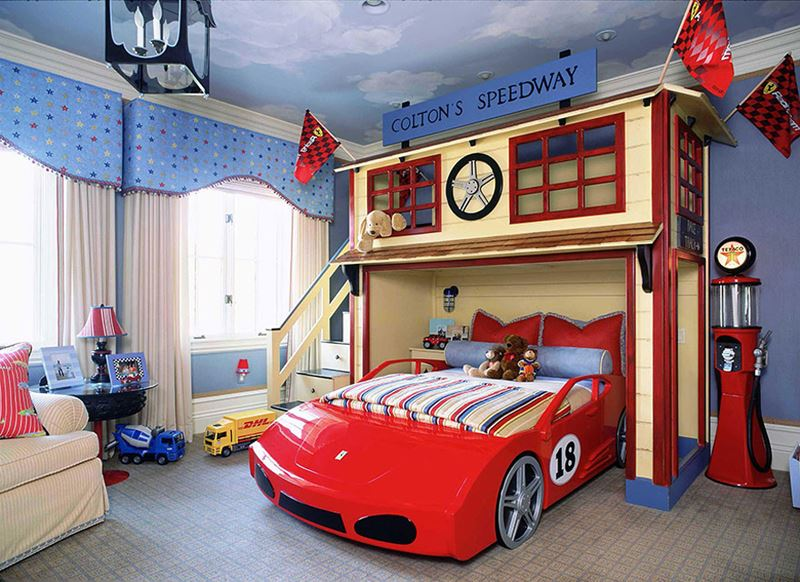 Yarış pisti çocuk odası dekorasyonu